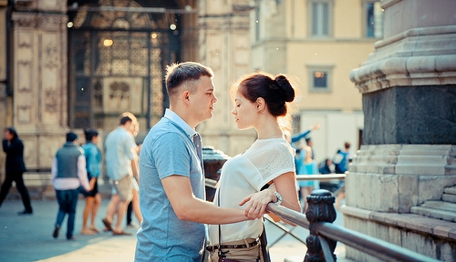 A Study Finds Love at First Sight Doesn't Exist . . . You Just Think the Other Person Is Hot