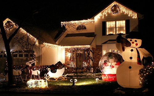 When Should You Take Down Your Christmas Lights?