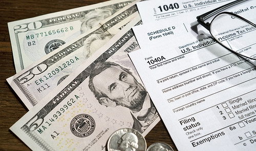 LifeSpan Center Aiding with Tax Preparations