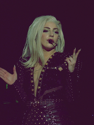 Trolls Trigger Tirade Over Lady Gaga Tummy