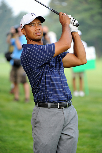 Tiger Shares Lead At Tour Championship