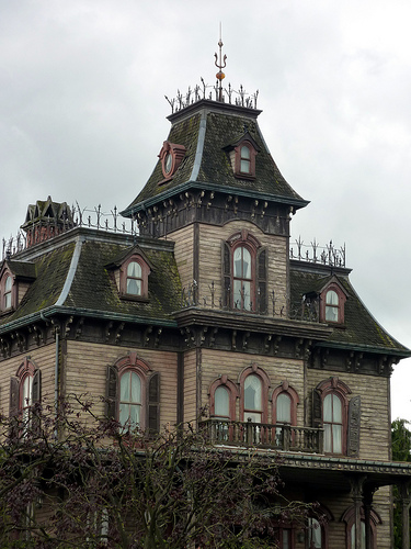 The Scariest, Freakiest Haunted Houses in Movies and TV