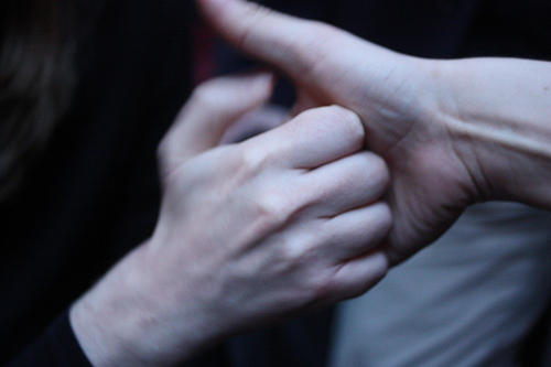 Scientists Have Finally Figured Out Why Your Knuckles Crack