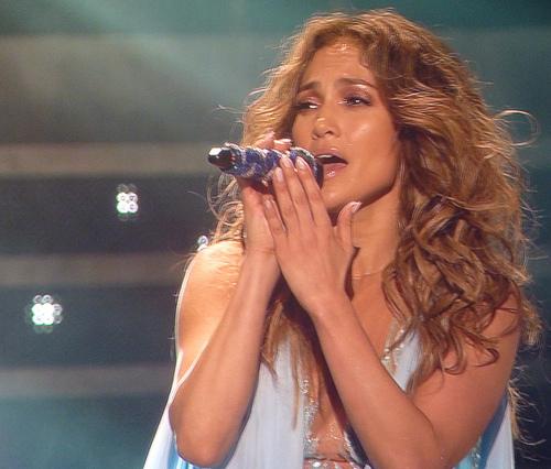 J-Lo To Receive Michael Jackson Video Vanguard Award