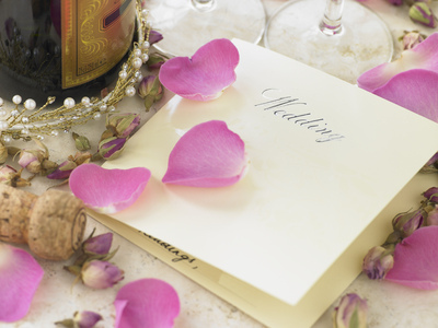 Is It Okay to Un-Invite Someone From Your Wedding?