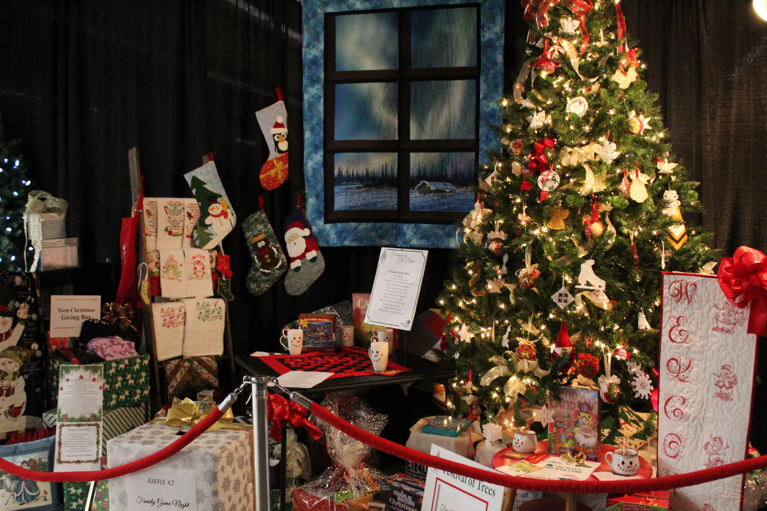 Weekly Report: Festival of Trees