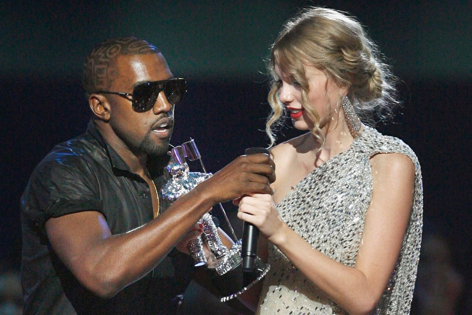 TSwift Not Happy to be Called A Bitch in Kanye's New Song 'Famous'