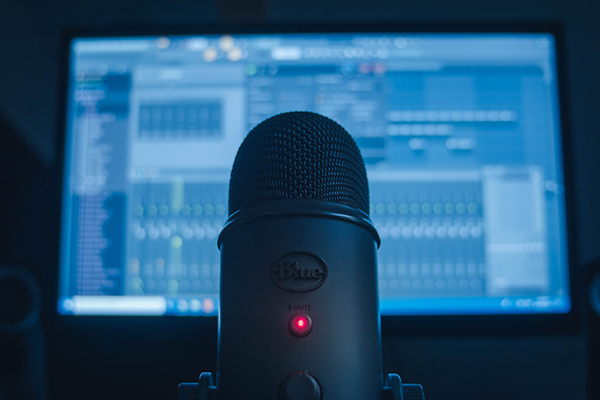 Affordable set up using FL studio and the Blue Yeti microphone. Christopher Campbell