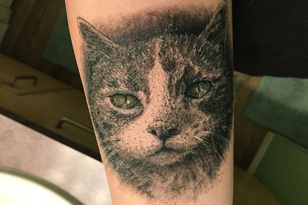 Can I Put Sunscreen on a Peeling Tattoo?
