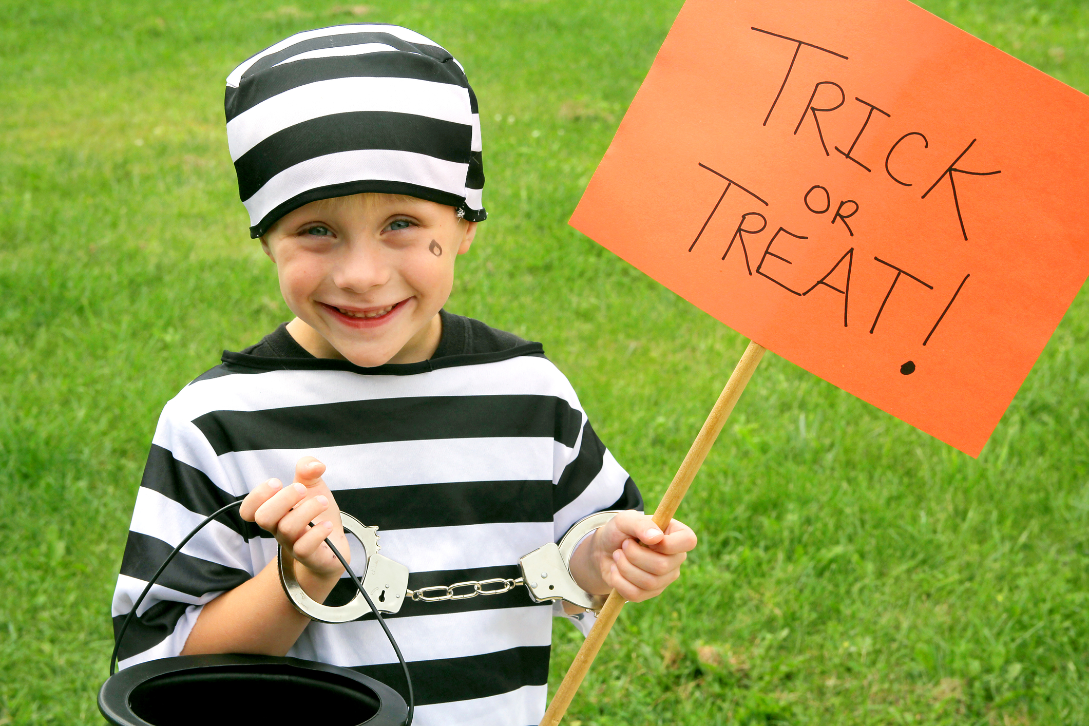 Kids over 12 in the US could face jail time for 'Trick or Treating'
