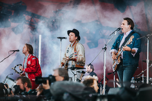"Arcade Fire ""Everything Now"" at BBC1 is PHENOMENAL!"