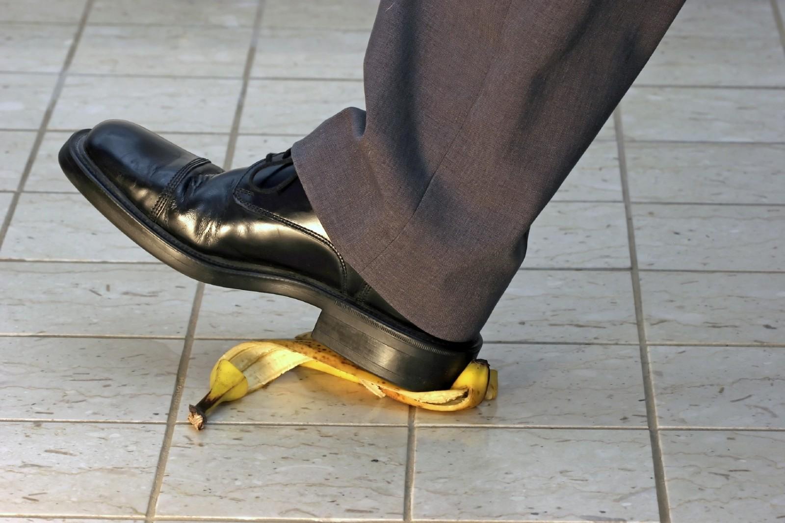 Next Stupid Internet Trend..... #BananaPeelChallenge