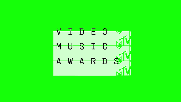 BRITNEY, RIHANNA AND BEYONCÉ ALL HIT THE MTV VMA STAGE!