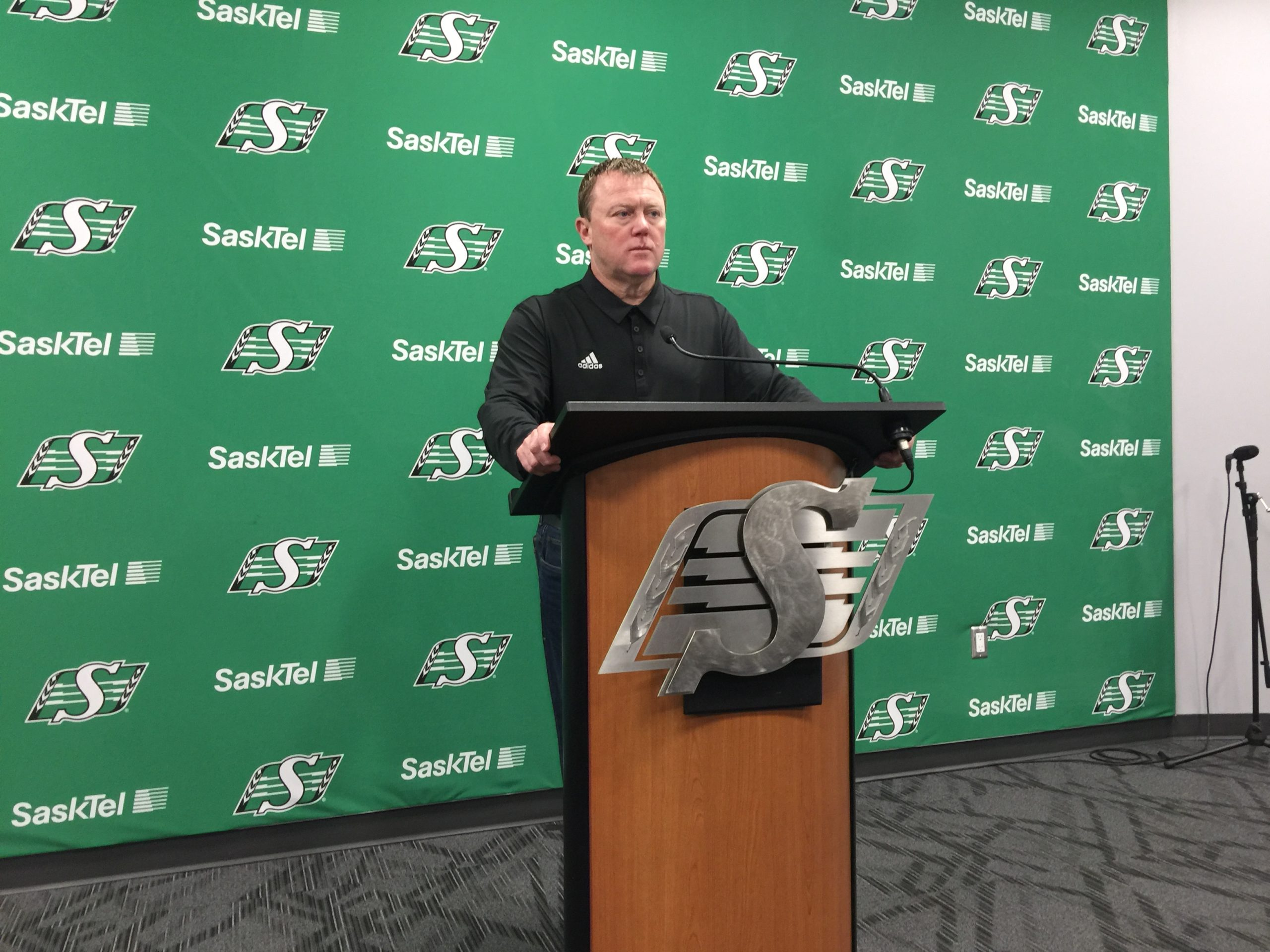Riders HC/GM Chris Jones addresses media as team cleans out locker room
