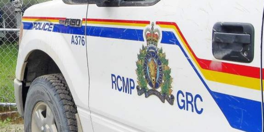 Man killed in motorcycle crash east of Ernfold