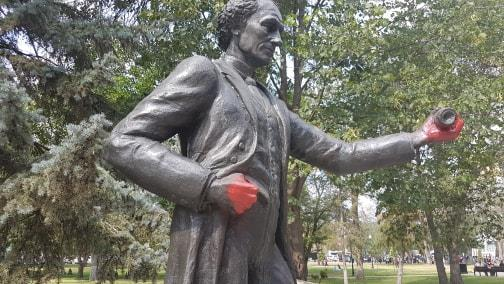 Vibank man charged in vandalism of John A. MacDonald statue