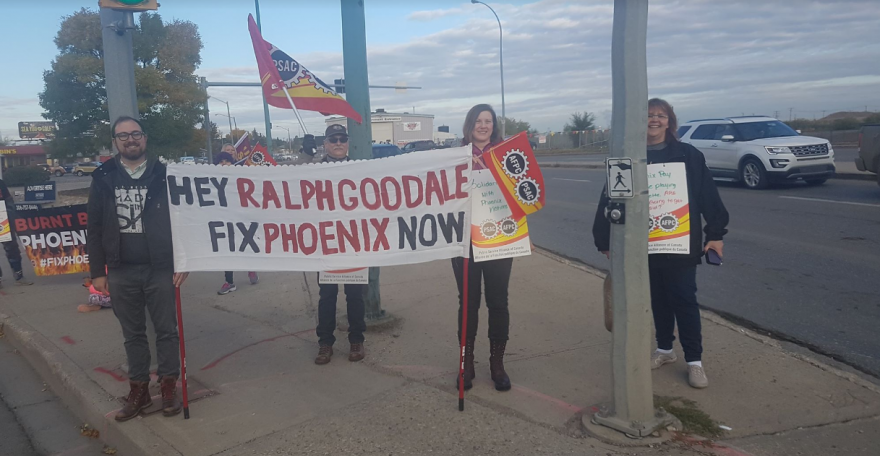 Phoenix Pay System protesters hit the streets in Regina