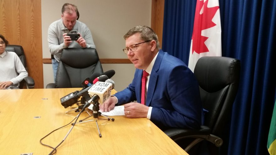 Saskatchewan doesn't plan to follow Alberta's oil production cuts, says Moe