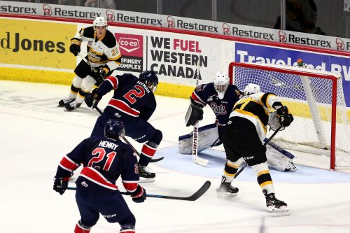 Bad 2nd period sinks Pats as they lose 7-3 to Brandon on home ice