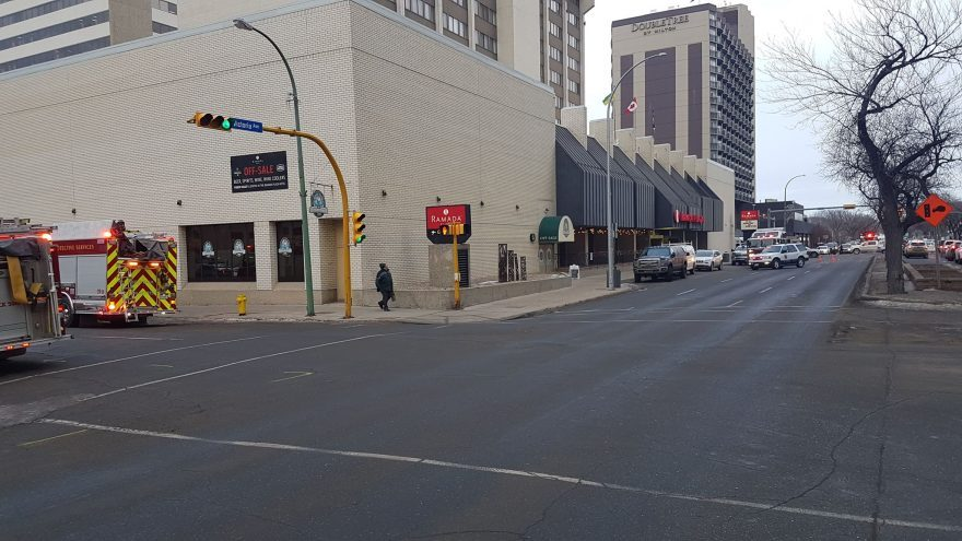 Fire crews checking out blaze at downtown Regina hotel