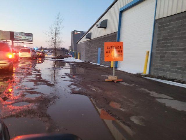 Drive-thru COVID-19 vaccine clinics in Regina and Swift Current to close temporarily