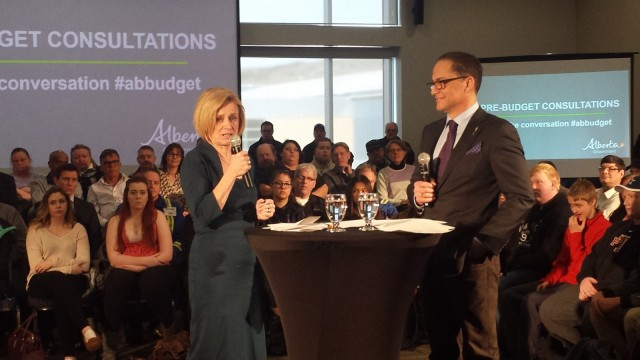 Premier Notley talks infrastructure, economy in first visit to Fort McMurray since election