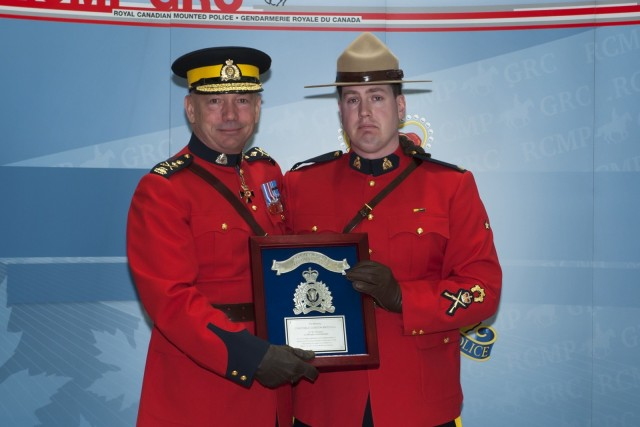 Former Wood Buffalo RCMP officers honoured for bravery during 2011 shooting
