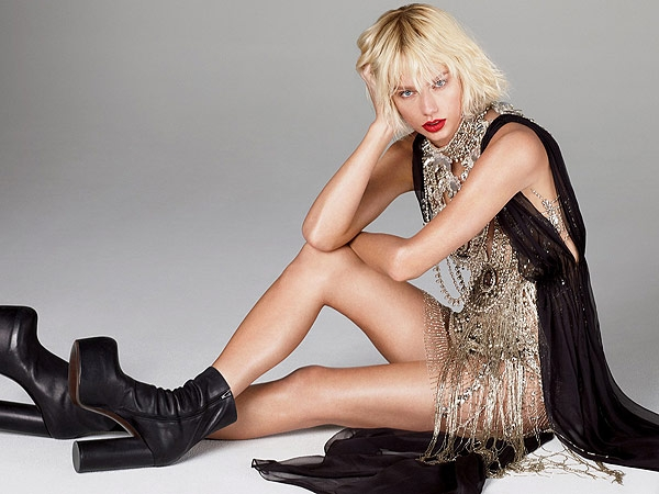 Taylor swift gets edgy in Vogue