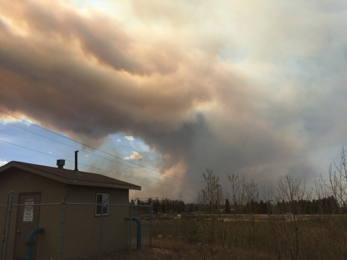Wildfire jumps Athabasca, sprouts 5 hectare spot fire 15km away from Thickwood