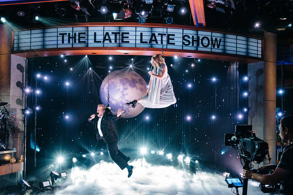 VID: Wirework Goes Awry as James Corden and Kristen Bell Duet