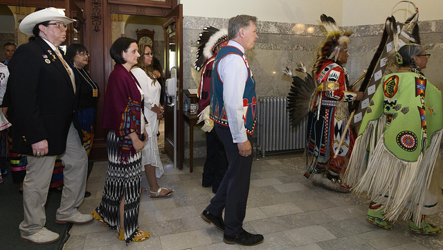 Provincial Government Apologizes For Sixties Scoop