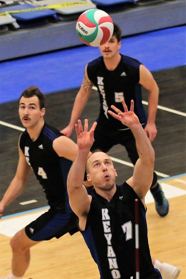 Husky Men's Volleyball Enter Holidays Ranked 3rd In Nation