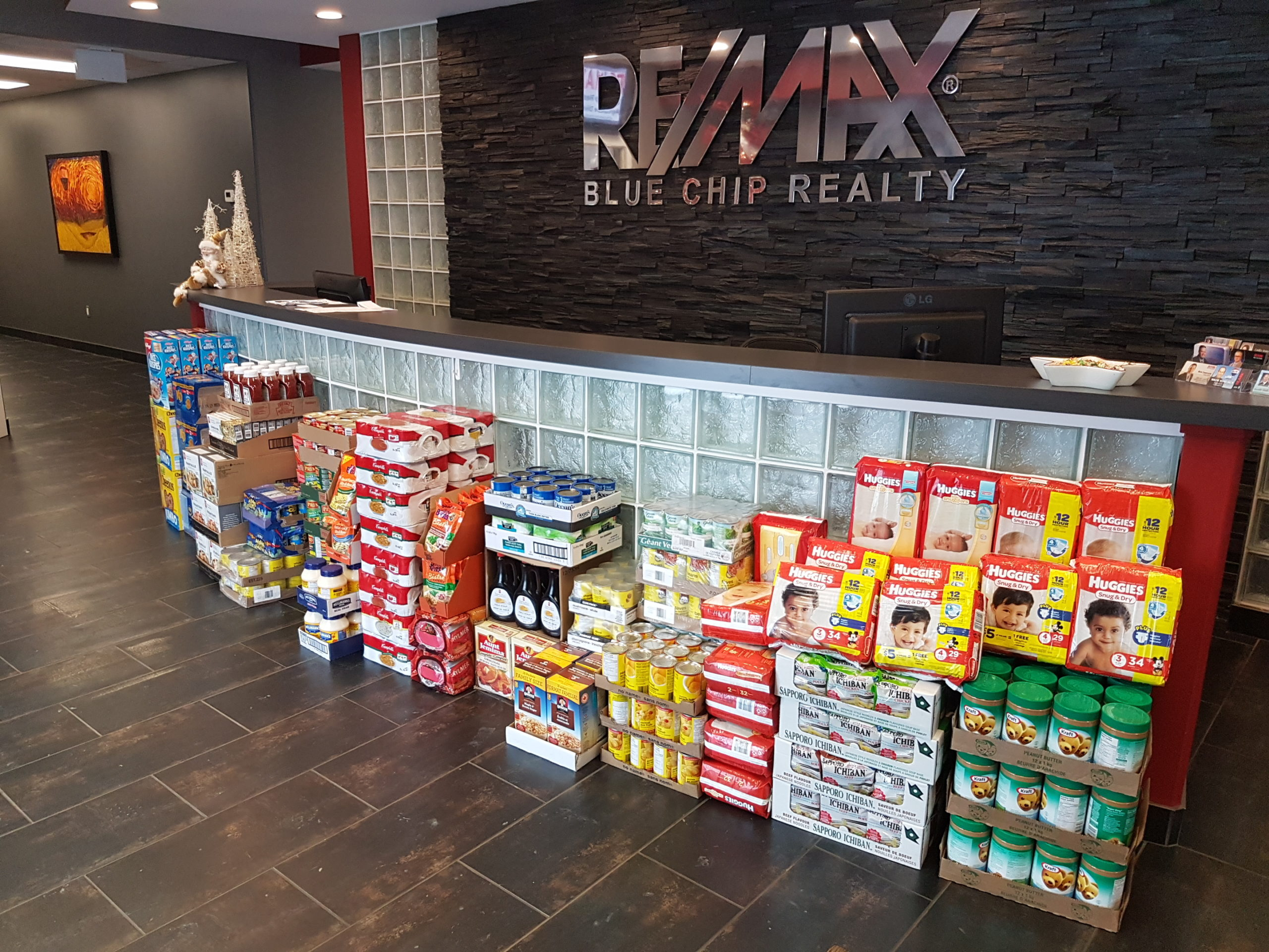 RE/MAX Blue Chip Realty in Yorkton Gives Salvation Army a Gracious Donation