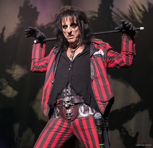 ARTIST OF THE WEEK: Alice Cooper