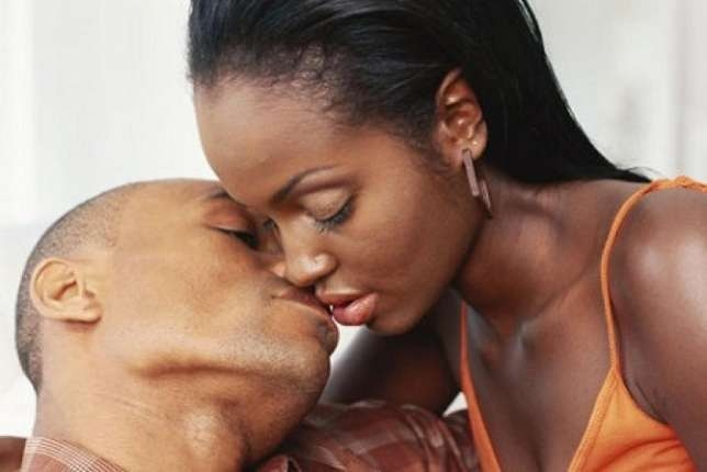 Here are 9 ways to Kiss your partner perfectly