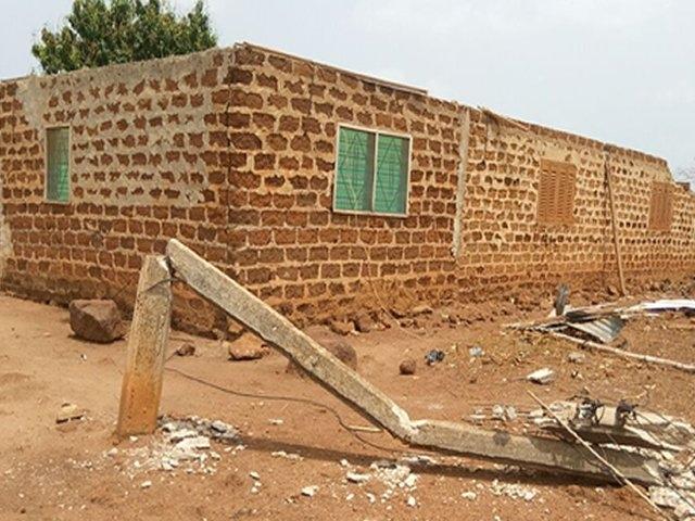 Brong Ahafo Region: Strong winds wreak havoc in Amangoase