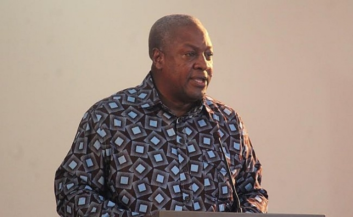 """Video: Ex-President Mahama Sings Barry White """"Cant Get Enough of Your Love"""""""