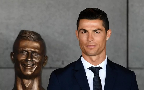Ronaldo unveils 'horrifying' bronze bust of himself as airport is named after him