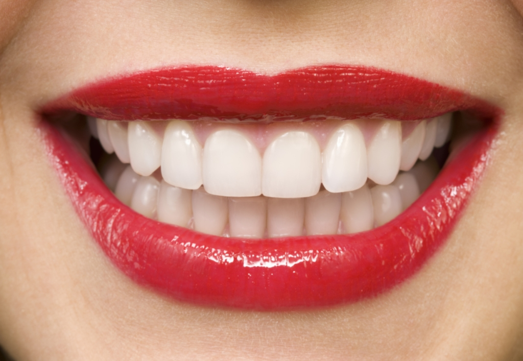 Foods that whiten teeth naturally