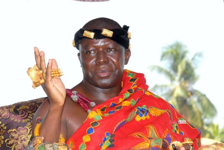 Otumfuo gave me £350,000 in a bag to deposit in account - Sacked bank employee