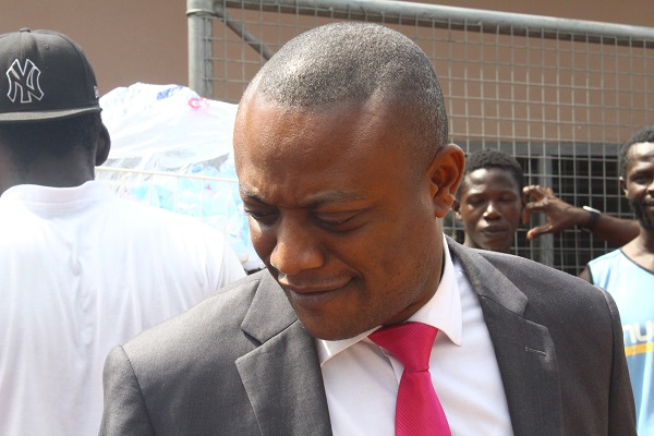 Duncan-Williams is corrupt; he charges GHC100,000 before preaching – Maurice Ampaw