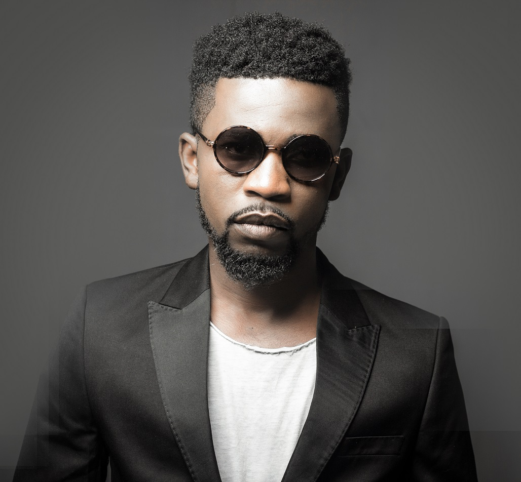 Photo: Bisa Kdei gives us a glimpse of His Girlfriend