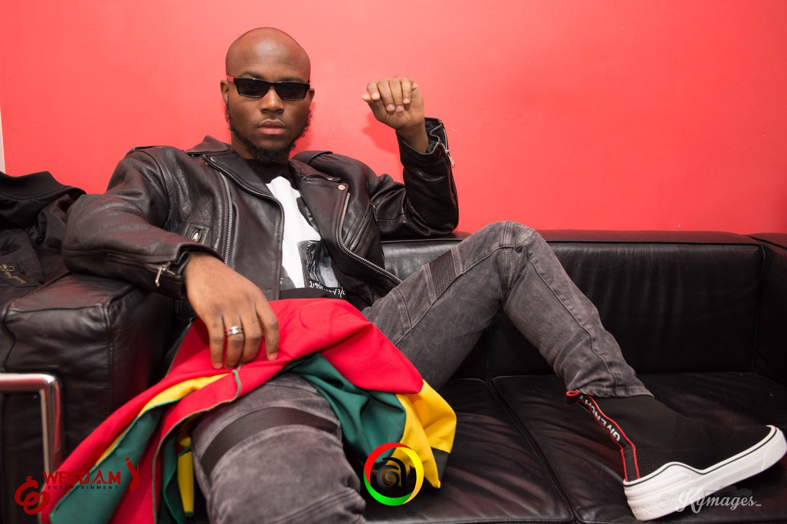 """King Promise's single """"CCTV"""" hits a Million views and he can't hide his Excitement"""