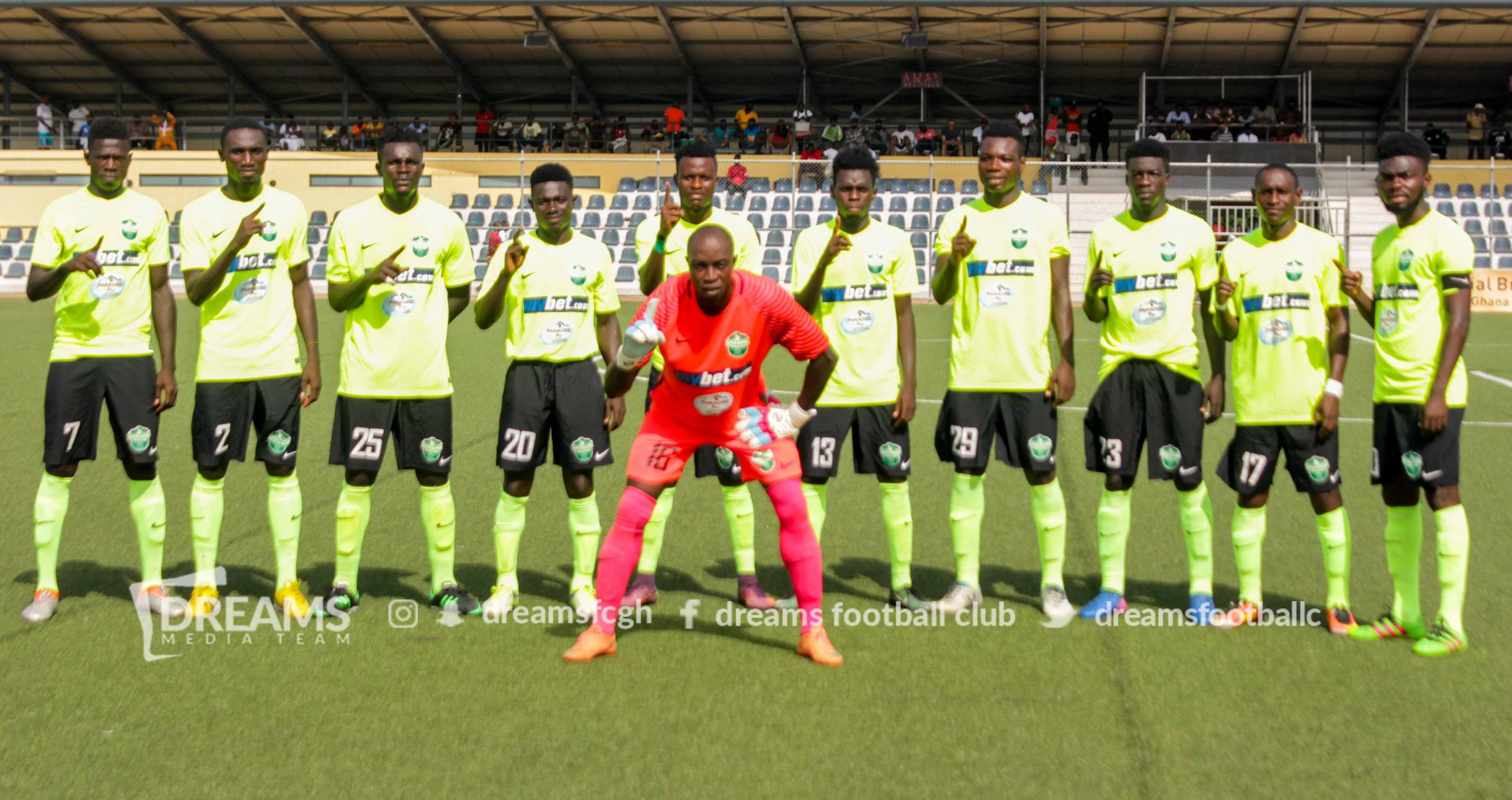 Dreams FC goalkeeper Isaac Amoako has bemoaned on the football draught in Ghana currently