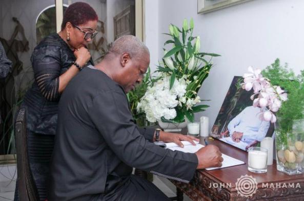 Mahama commiserates with Amissah-Arthur family, signs book of condolence