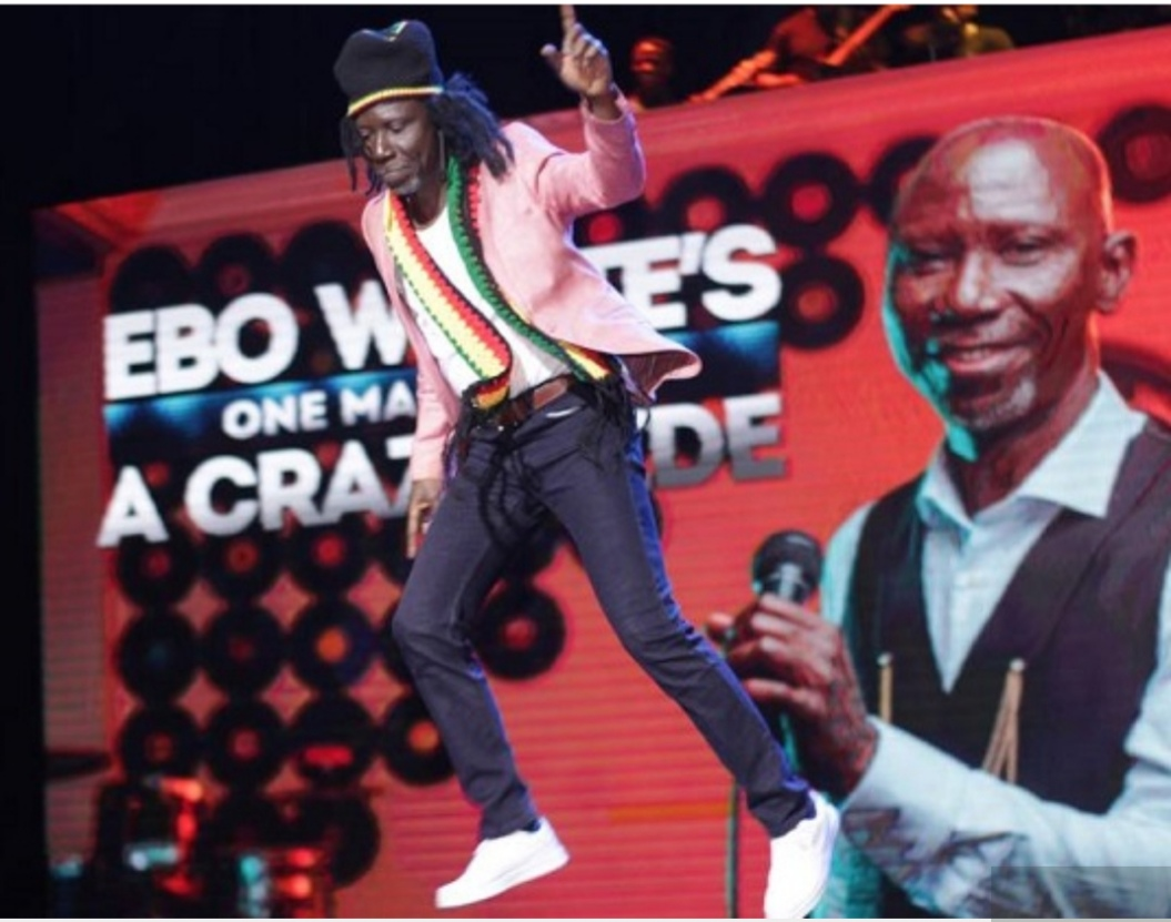 Ebo Whyte Performs Kwami Eugene, King Promise, Lucky Dube Songs On Stage