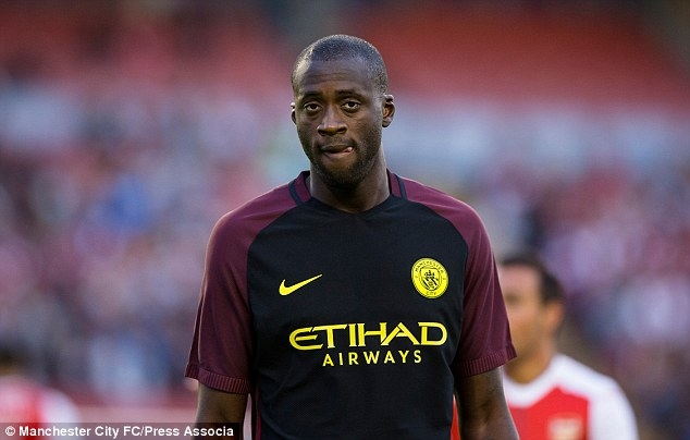 Yaya Toure: Manchester United still in title race