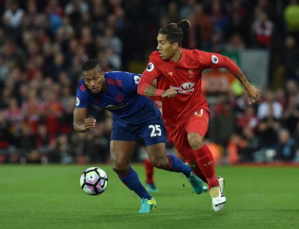 Manchester United stifle Liverpool as Mourinho parks the bus