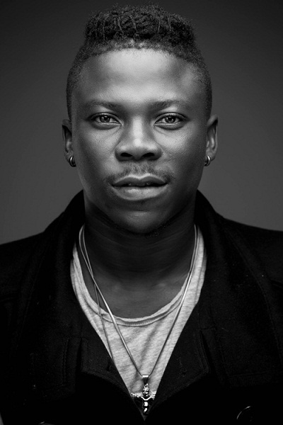"""WATCH: Stonebwoy premieres """"Come From Far"""""""