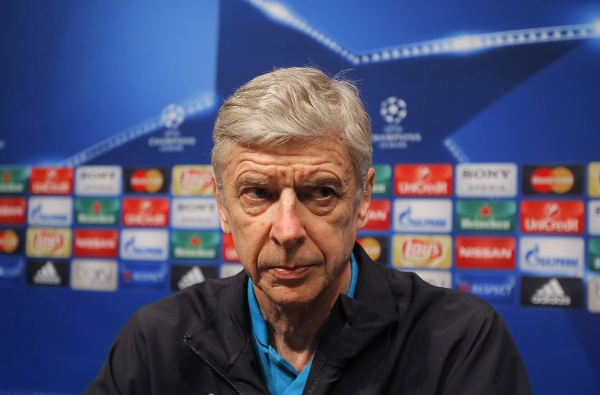 Sir Alex Ferguson Defends Arsene Wenger Amidst Arsenal Fans' Criticism